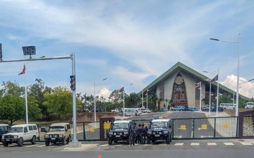 Policija prie Papua Naujosios Gvinėjos parlamento