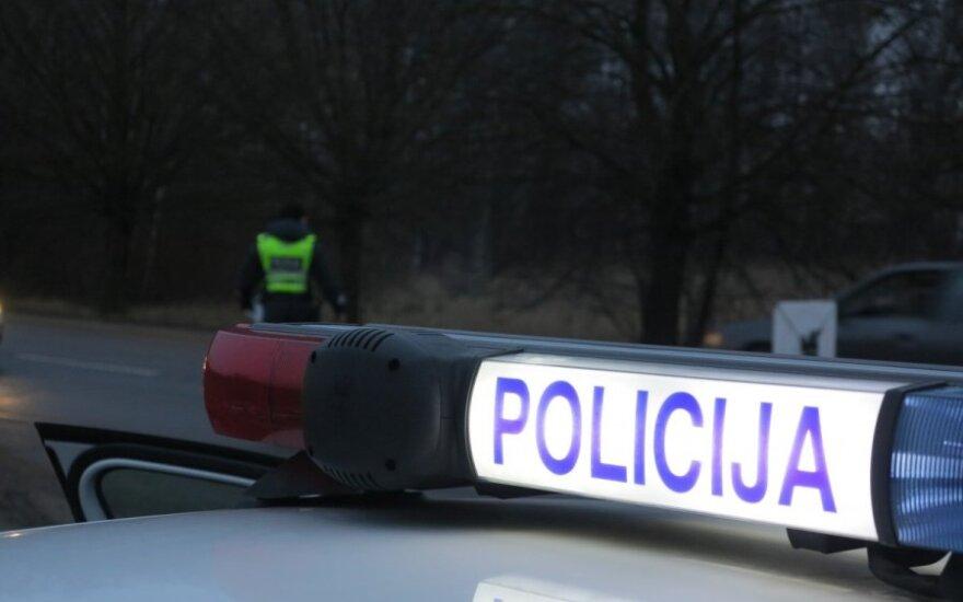 Alytaus rajone apvirtus kariuomenės automobiliui nukentėjo karys