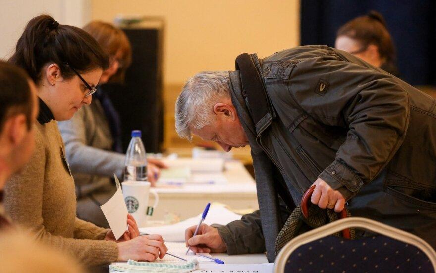 """Prastesniais rezultatais nenusivylė: labiausiai įvykusiais rinkimais džiaugiasi """"valstiečių"""" elektoratas"""