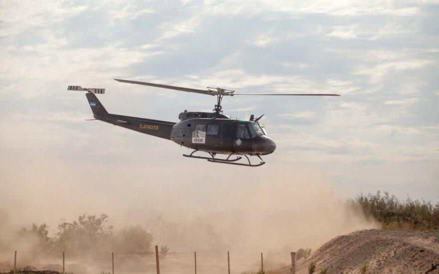 Tragedija Dakaro ralyje: nuo 100 m aukščio uolos nukritus automobiliui žuvo du žurnalistai