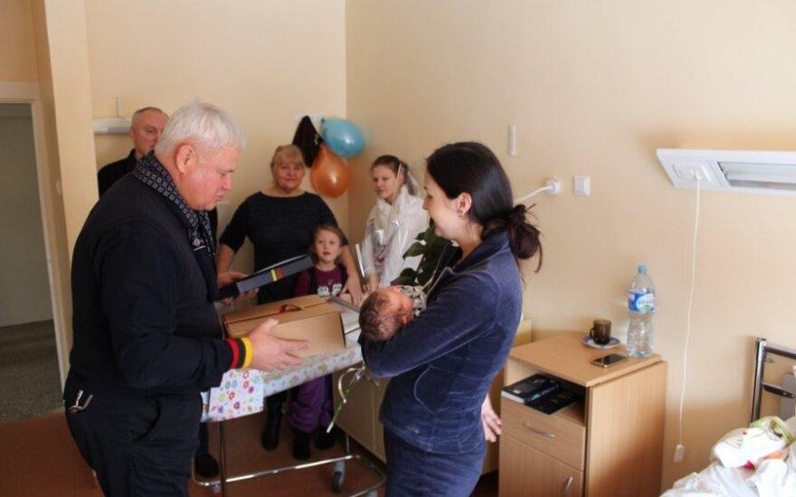Vasario 16 uostamiestyje gimusi pirmoji mažylė pavadinta Laisvės vardu