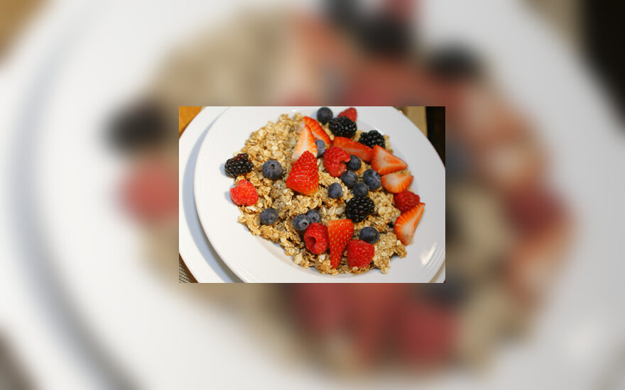 Javainiai, uogos, pusryčiai, sveikas maistas