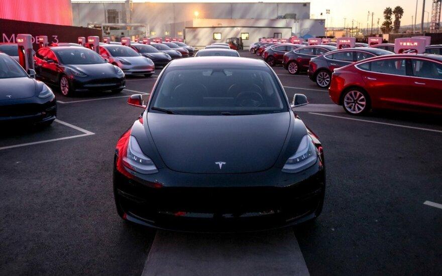 """""""Tesla"""" automobiliai"""