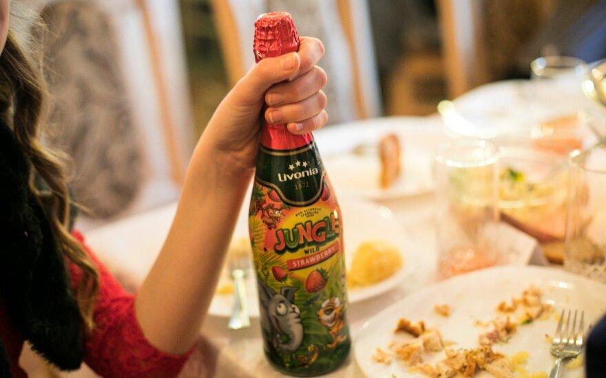 Lietuvoje uždraudė gaminti ir parduoti vaikišką šampaną