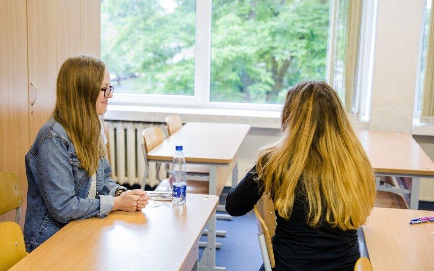 Vyriausybė įsteigė signatarų stipendijas Lietuvoje studijuosiantiems abiturientams