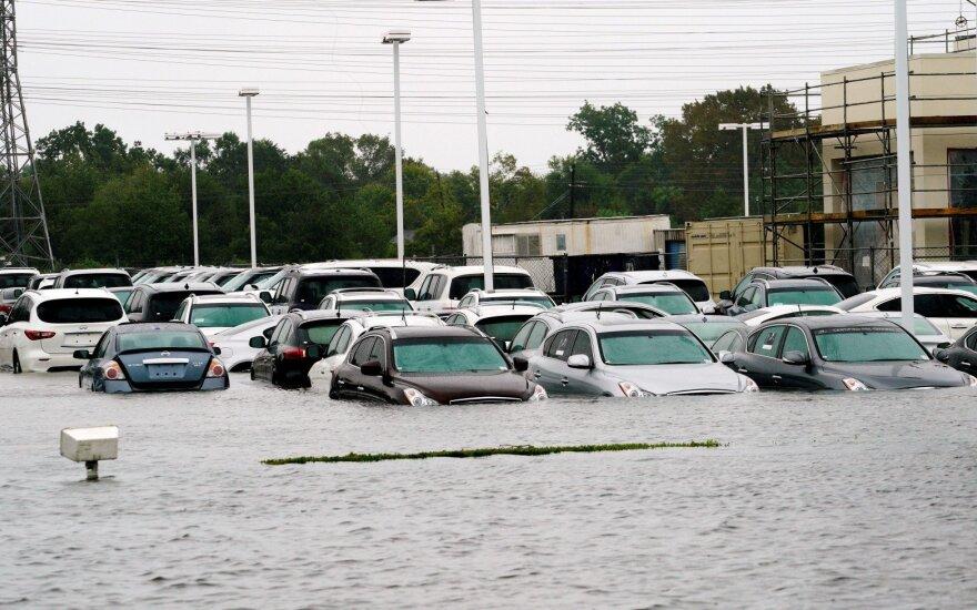 """Tropinės audros """"Harvey"""" padariniai"""