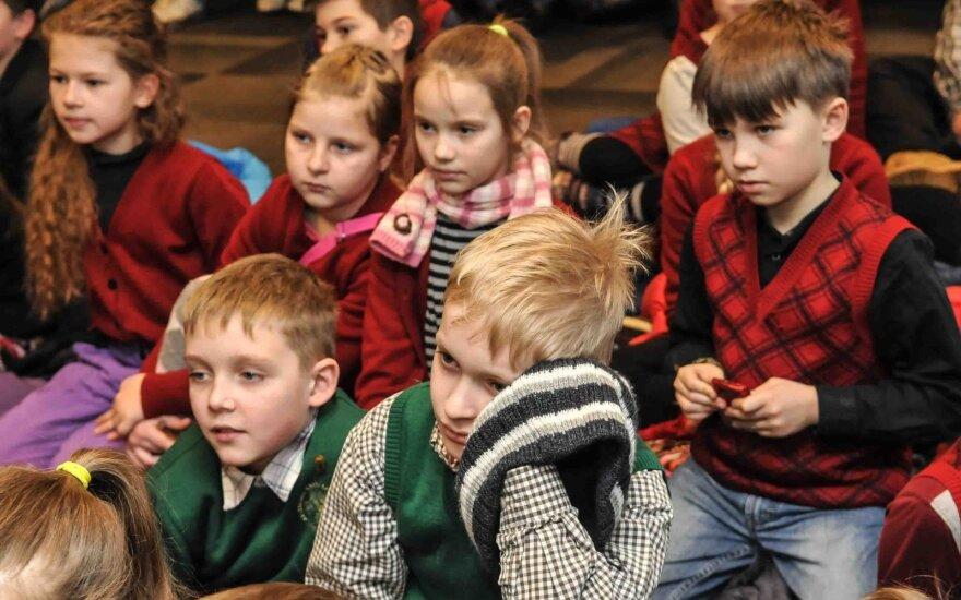 Vaikų atsakymai apie vairuotojus pribloškė – nuovokumas lenkia suaugusiųjų