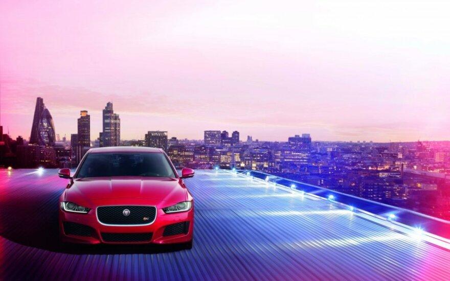 """Jaguar XE"""