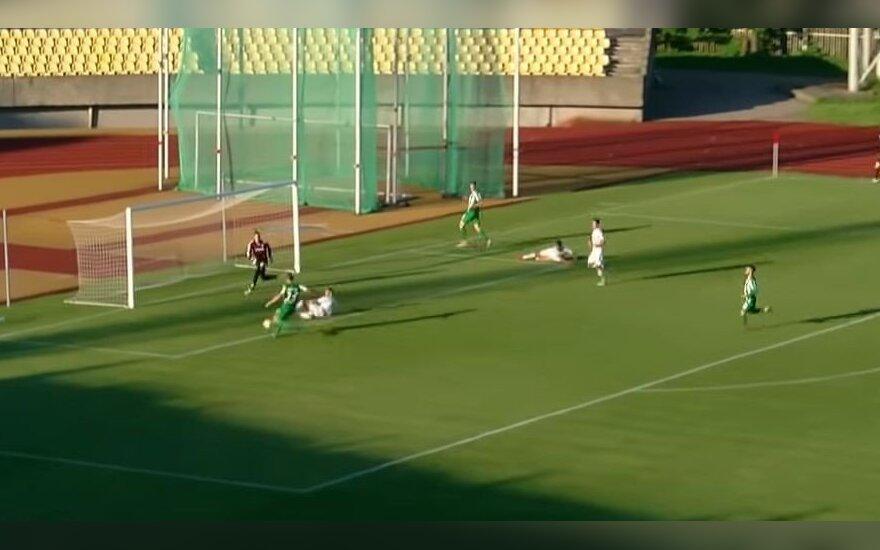 Kuriozai A lygoje: Mikoliūnas neįmušė į tuščius vartus, Skarbaliui gėda dėl Lietuvos futbolo