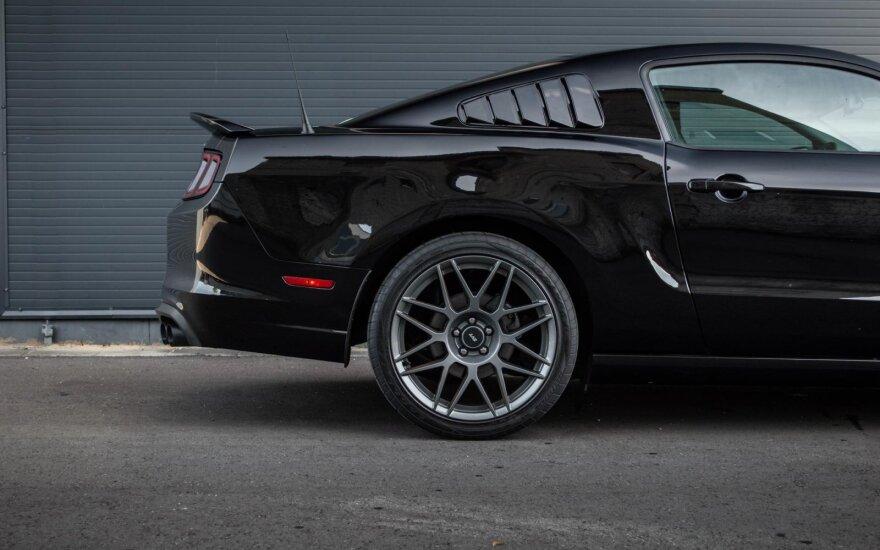 """""""Ford Mustang Shelby GT500"""", parduodamas Lietuvoje. Autoplius.lt nuotr."""