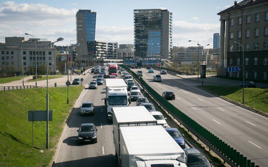 Skvernelis: NT ir automobilių mokesčiai bus įvesti nuo sausio 1 d.