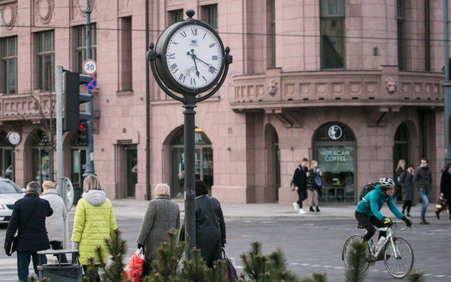 Skvernelis tikisi EK pagalbos sprendžiant laiko sukiojimo klausimą