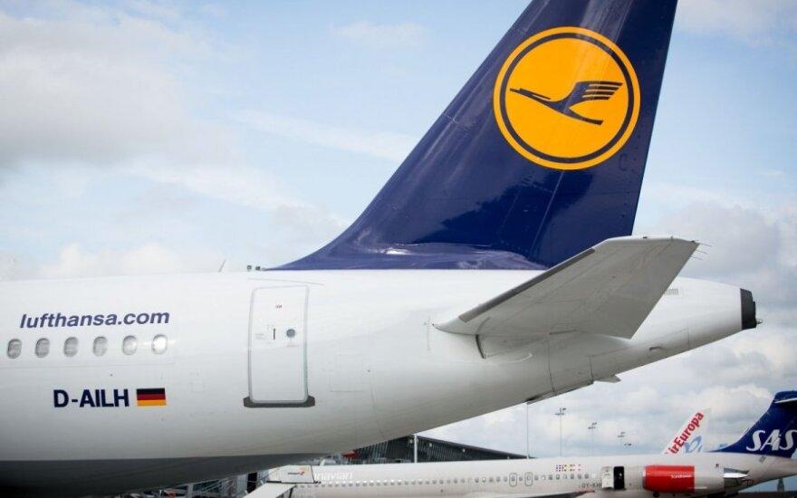 """Parama """"Lufthansai"""" kursto pigių skrydžių bendrovių pasipiktinimą"""