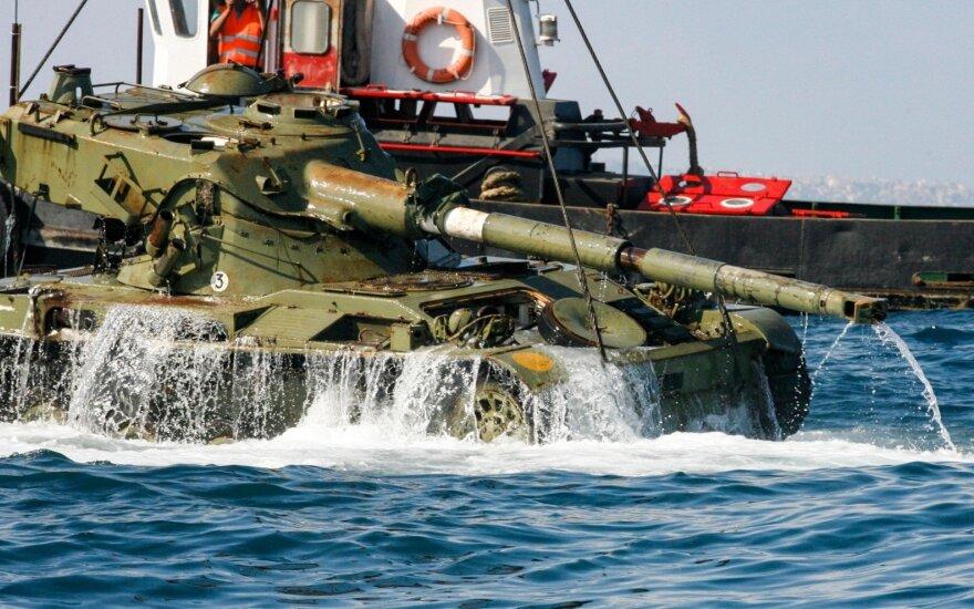 Viduržemio jūroje nuskandino 10 tankų