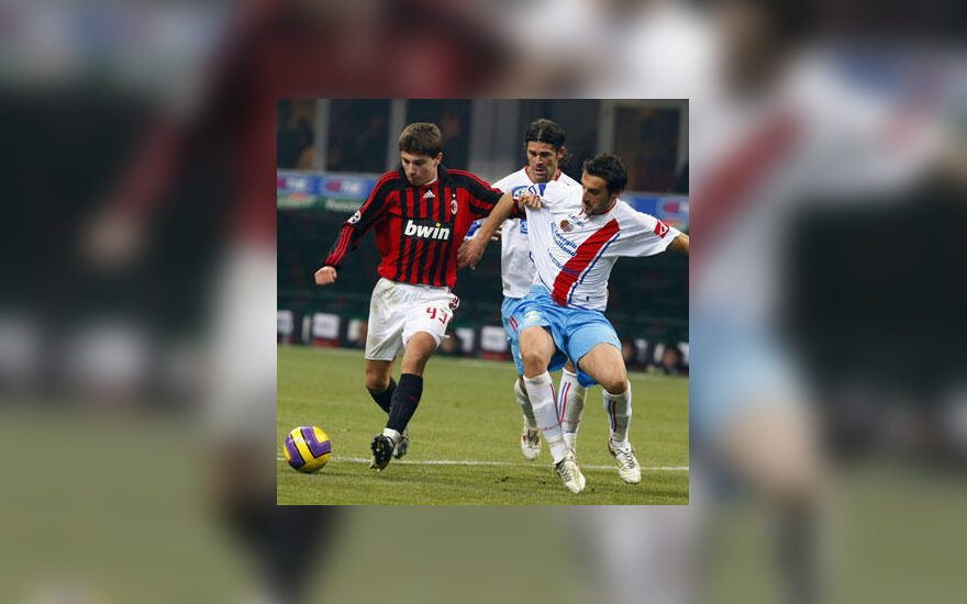 "Alberto Paloschi (""Milan"") stabdo ""Catania"" fubolininkai"