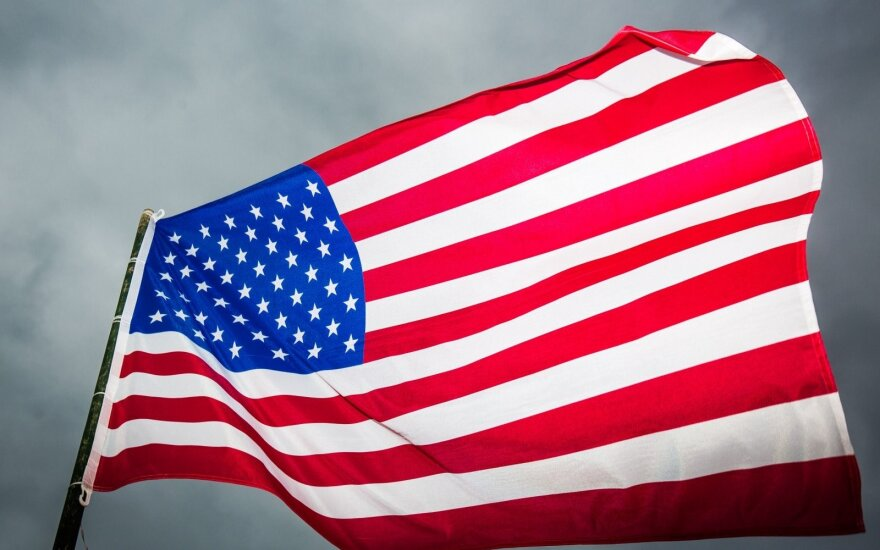 Dėl prekybos karo ir vyriausybės uždarymo padidėjo recesijos JAV grėsmė
