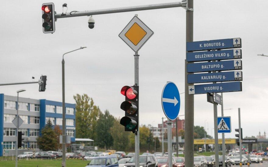 Judriose sostinės sankryžose – naujos priemonės saugumui didinti