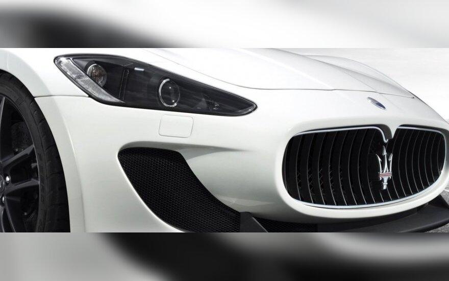 """224 km/val. greičiu skriejęs """"Maserati"""" vairuotojas išvengė baudos"""