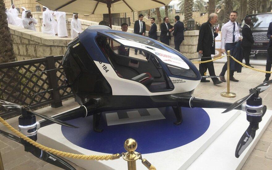 dronas, taksi