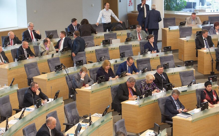 Seimas anti-corruption body to look into corruption allegations against social democratic and conservative politicians