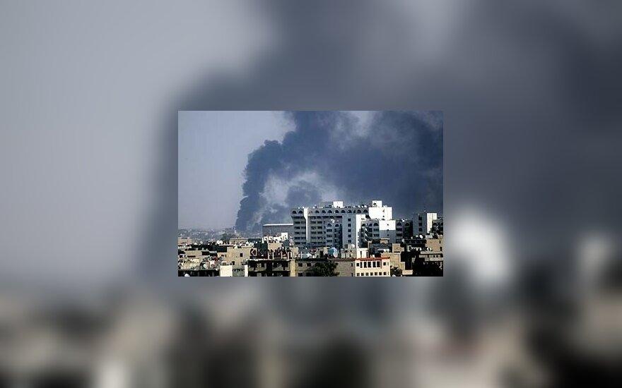 """Irake suimtas """"al Qaeda"""" grupuotės vadovas, taip pat per du atskirus mirtininkų išpuolius žuvo kelios dešimtys žmonių"""