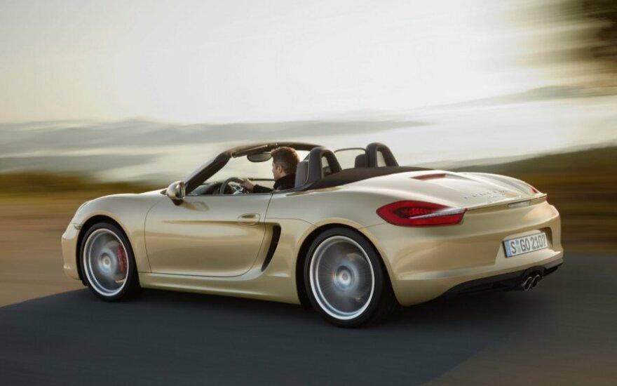 """Pigiausias """"Porsche Boxter"""" modelis Vokietijoje kainuoja nuo 48 291 eurų (166 604 litų)"""