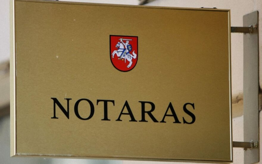 Teisingumo ministerija siūlo atsisakyti kai kurių notarų funkcijų