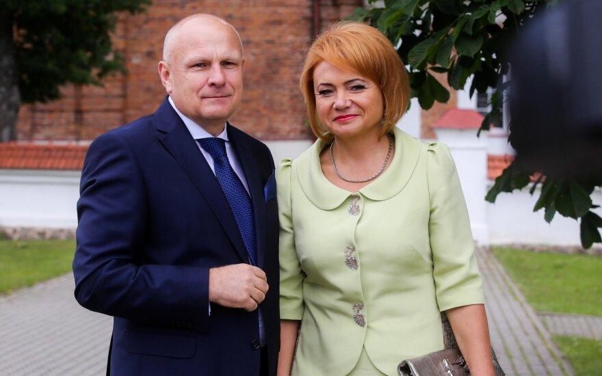 Seimo narė Ačienė sako tikinti vyro Ačo nekaltumu, bet pasitiki ir teisėsauga