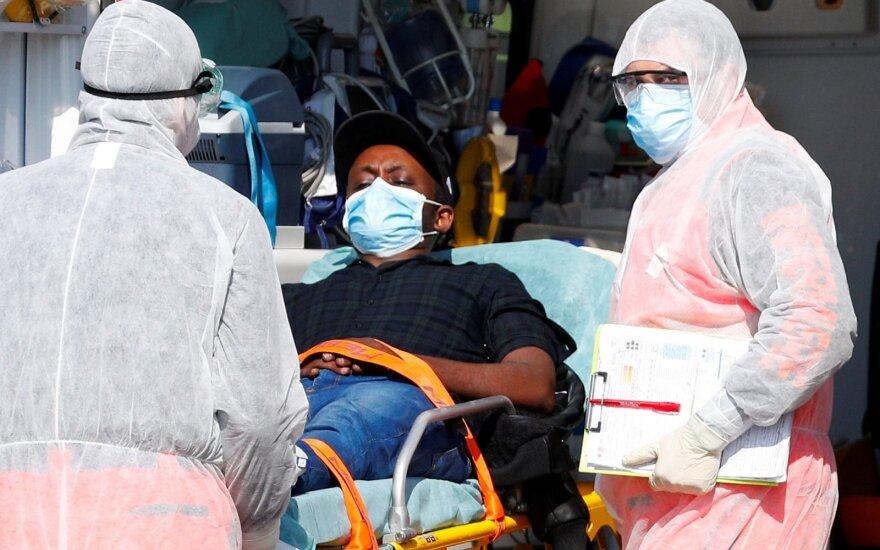Italijoje vėl auga mirčių nuo koronaviruso skaičius, pasveikusiųjų per parą – beveik 2 tūkst.