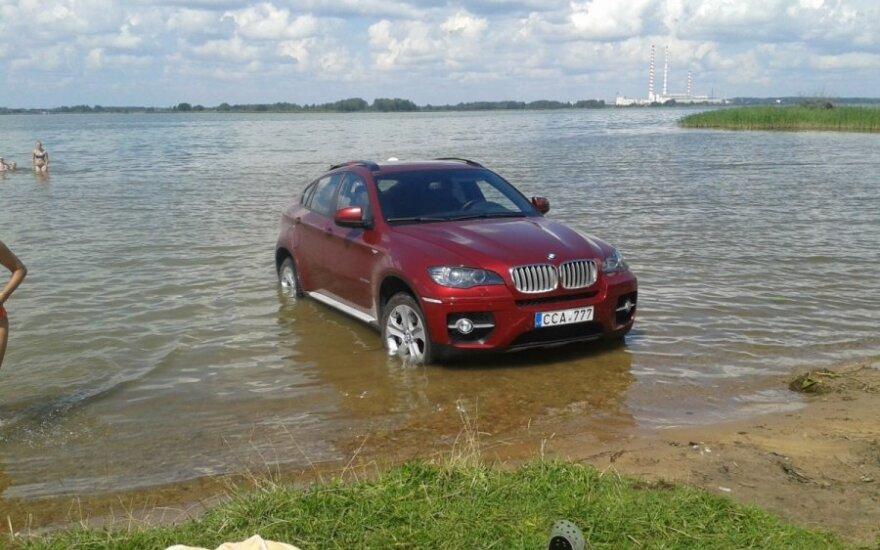 Elektrėnų mariose - BMW X6