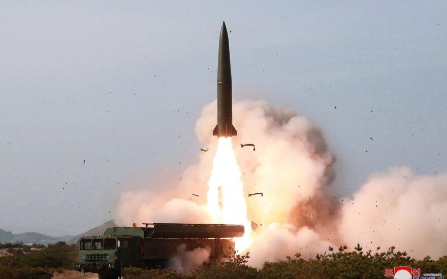 Šiaurės Korėjos URM: raketų paleidimas buvo planinis ir nekėlė grėsmės kitoms valstybėms