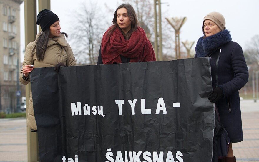 Smurtas artimoje aplinkoje: kaip pasikeitė lietuvių požiūris