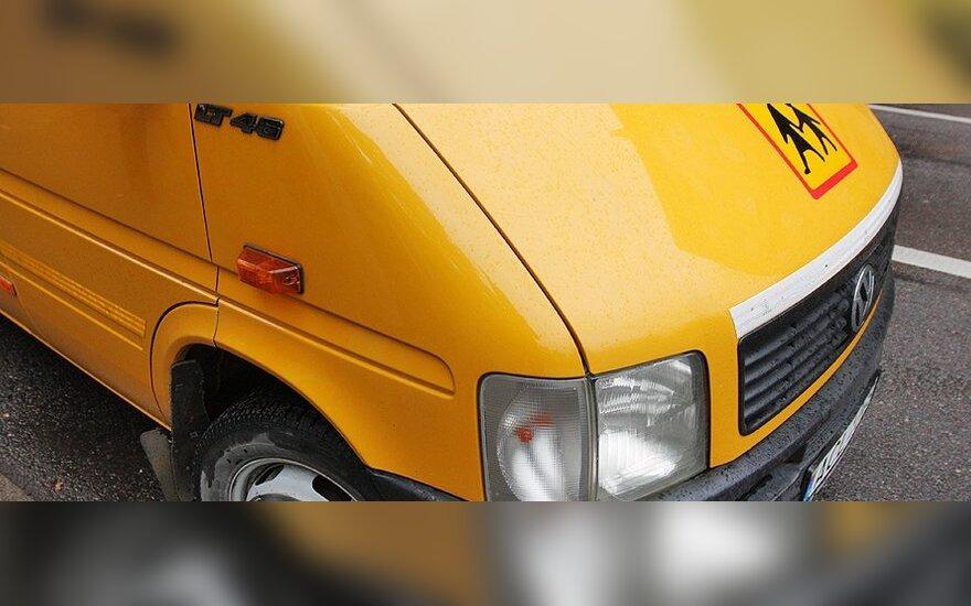 Savivaldybėms bus perduoti 157 mokykliniai autobusai
