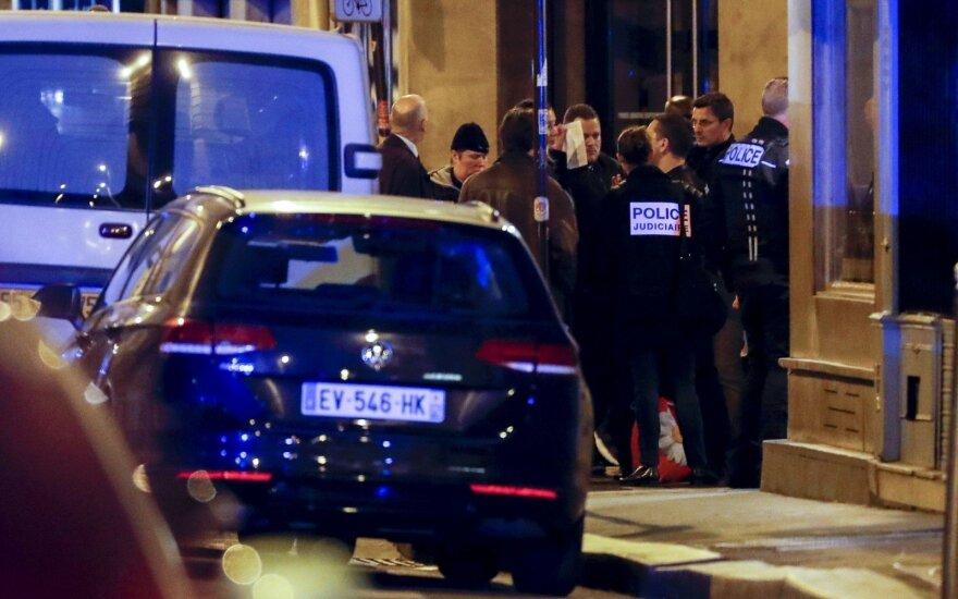 Dėl praėjusį savaitgalį įvykdyto išpuolio Paryžiuje sulaikytos dvi moterys