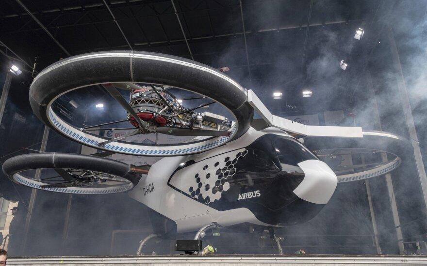 """""""Airbus"""" Vokietijoje pristatė oro taksi prototipą"""