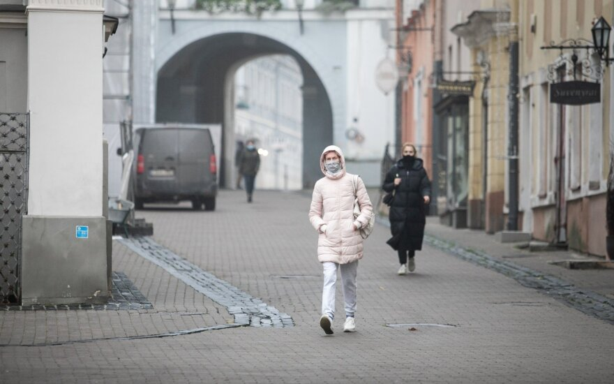 Almost a thousand new coronavirus cases recorded in Lithuania