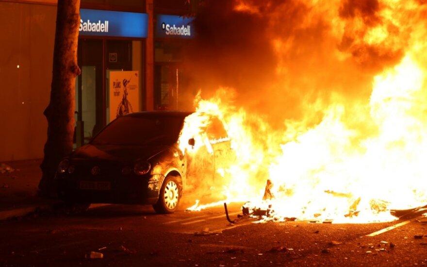 Riaušių metu Barselonoje sužeisti 80 žmonių, dar 33 – sulaikyti