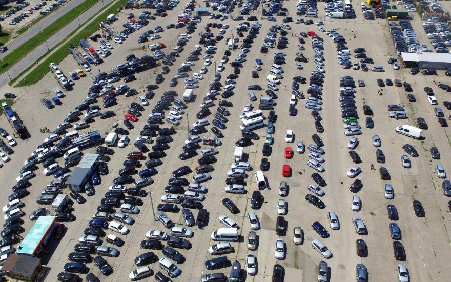 Automobilių pardavimai ES spalį kilo iki aštuonių metų maksimumo