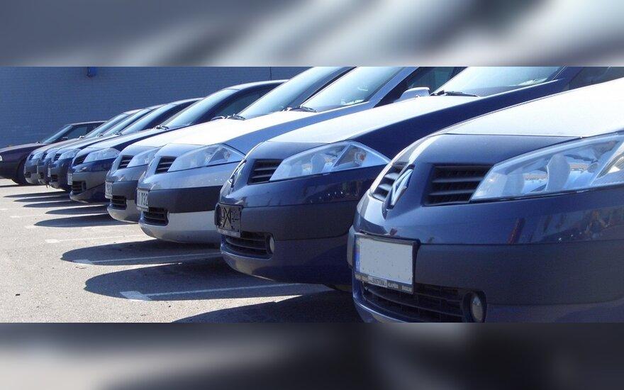 Automobilių turgus užplūdo pirkėjai iš Rytų