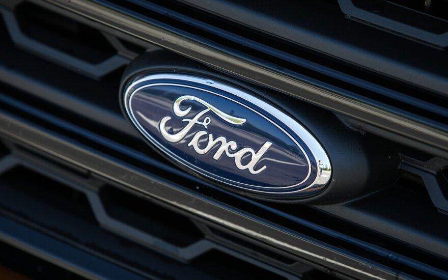 """""""Brexit"""" kryžkelė: """"Ford"""" svarsto įvairius veiklos Jungtinėje Karalystėje variantus"""