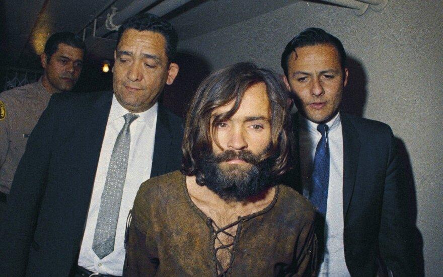 Amerikoje kremuoti žudiko maniako Charleso Mansono palaikai