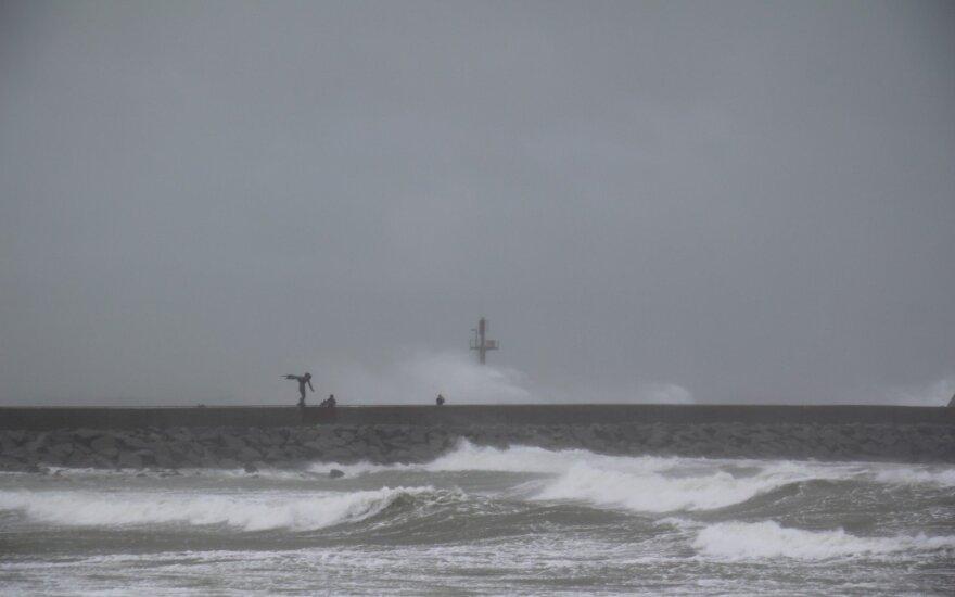Į Lietuvą žengia nemalonumai: priartės naujas ciklonas ir prasidės orų permainos