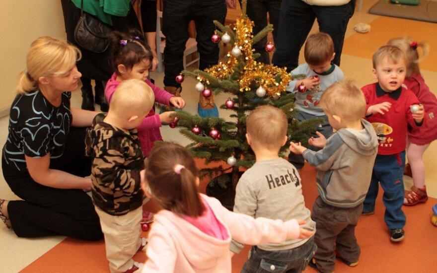 Vaikas: Kalėdas reikia švęsti naktį, kad nepamatytų rusai