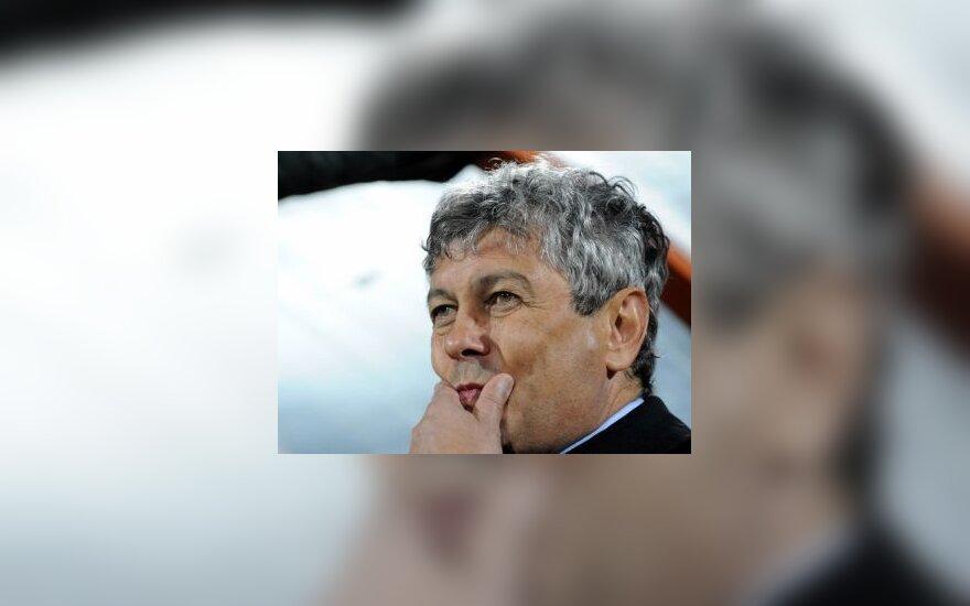 """Donecko gyventojas aukcione parduoda """"Šachtar"""" trenerį"""
