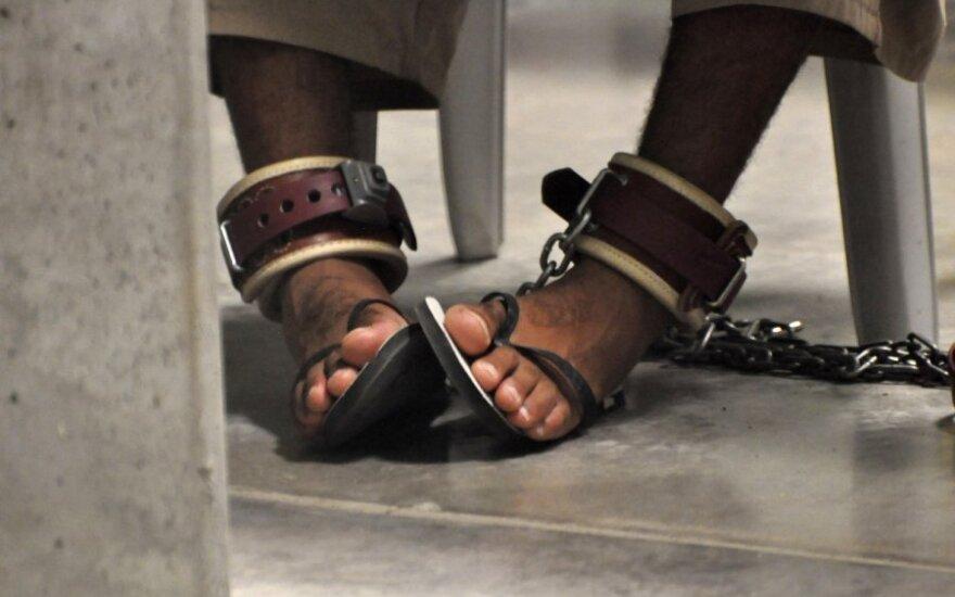 Gvantanamo kalinys papasakojo apie prievartinį maitinimą