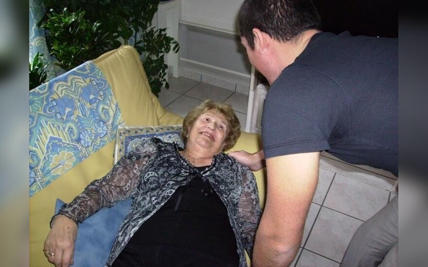 Senjorų griuvimo sistema padės išvengti skaudžių pasekmių