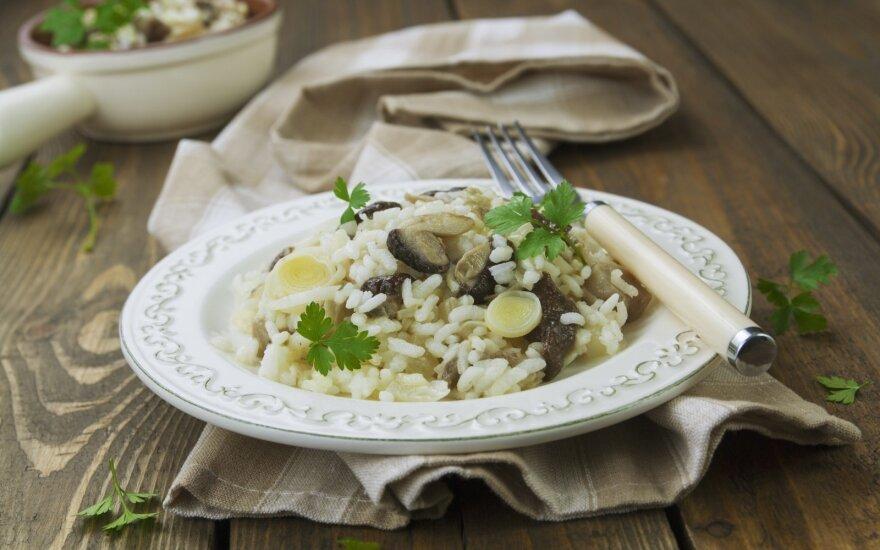 Ypatingai virti ryžiai su pievagrybiais