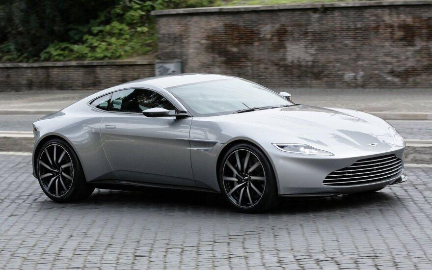 """Aston Martin DB10"""