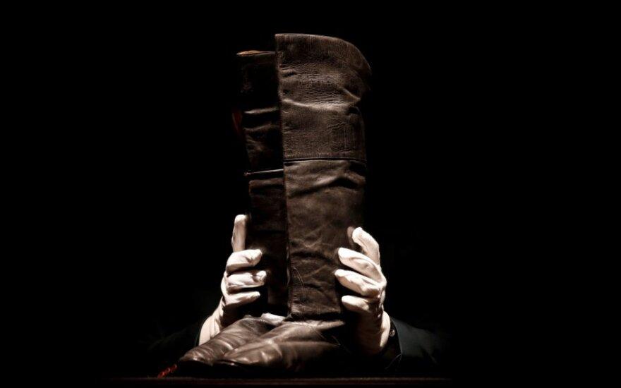 Napoleono batai parduoti Paryžiaus aukcione už 117 tūkst. eurų