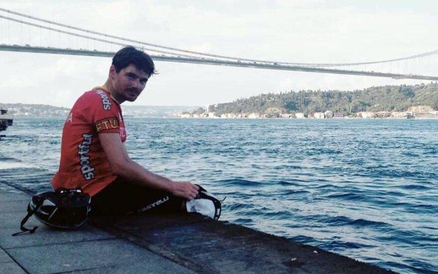 """M. Ratkevičius įveikė 3800 km ir pasiekė """"Transcontinental"""" lenktynių finišą"""